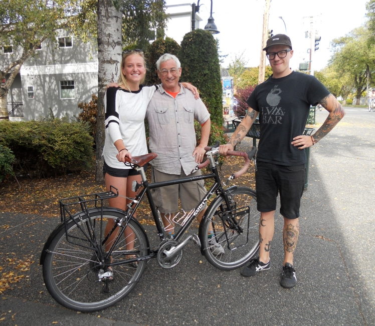 The triumphant rider returned from her epic journey, along with her Fairfield team, John and Dave.